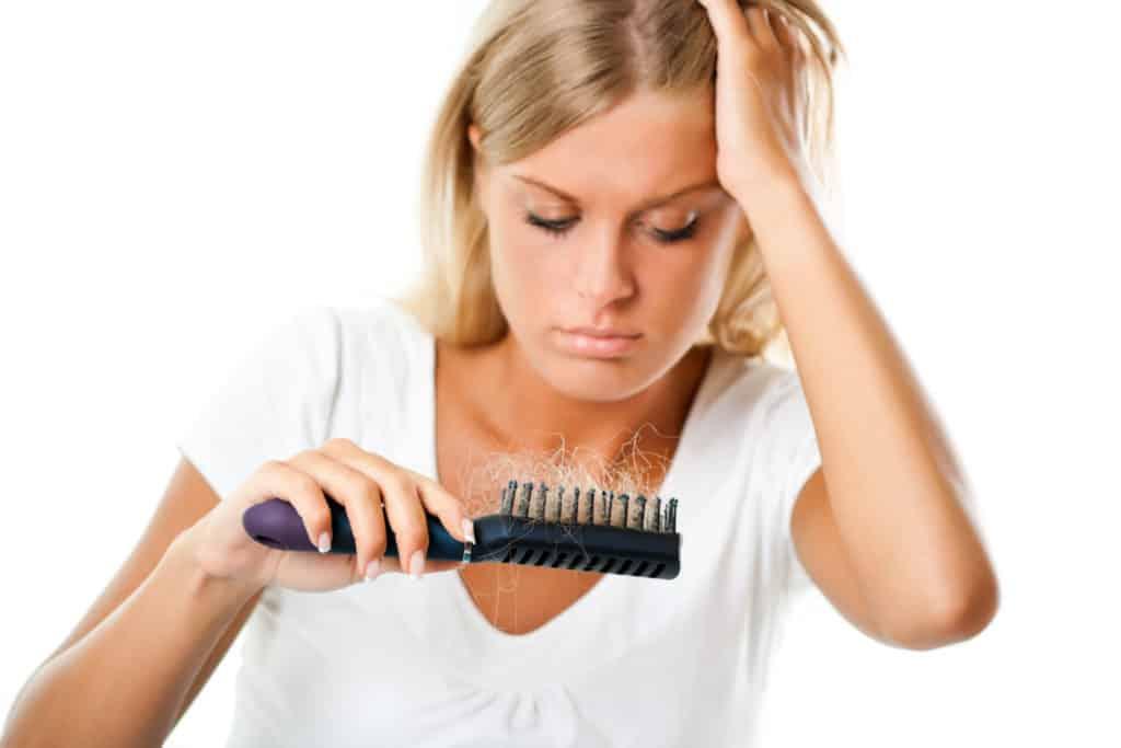 Haarausfall brüchige Fingernägel trockene Haut Hauterkrankungen Lippenherpes Nagelpilz verringerte Abwehrfunktion Appetitlosigkeit Stress Stressanfälligkeit Müdigkeit Erschöpfung unspezifische Hautsymptome